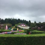 Alice au pays des merveilles et le labyrinthe de Disneyland