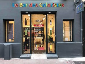 Devanture du bar des coloristes à Marseille